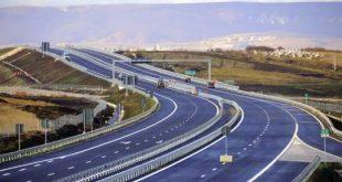 """Nga 11 korriku në autostradën """"Arbën Xhaferi"""" në pjesën Doganaj-Hani i Elezit do të kryhen disa punime dhe herë pas here do të mbyllet njëra korsi"""