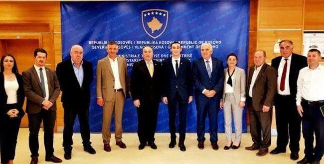 Një delegacion i Aleancës Kosovare të Bizneseve është takuar sot me ministrin e MTI-së, Endrit Shala