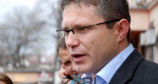"""Brenda AAK-së nisin përplasjet për """"avullim"""" votash mes kandidatëve për deputetë"""