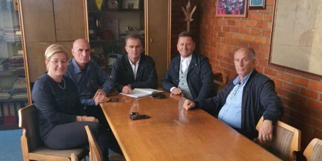 Ismet Shamolli u zgjodh kryetar i ri i klubit të hendbollit Kastrioti nga Ferizaj, shtatë herë kampion i Kosovës