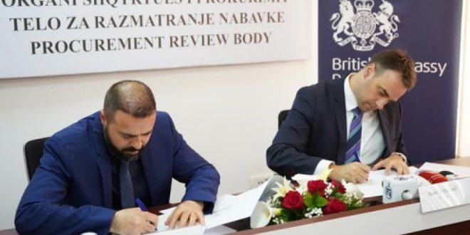 OSHP dhe Ambasada e Anglisë, kanë nënshkruar memorandum mirëkuptimi, për transparencë e përgjegjësi