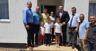 Familja Ahmetaj nga Korisha e Prizrenit, bëhet me shtëpi të re