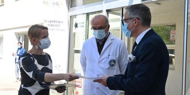 UNDP dhe partnerët idorëzojnë Institutit Kombëtar të Shëndetit Publik pajisjet për marrjen e mostrave COVID