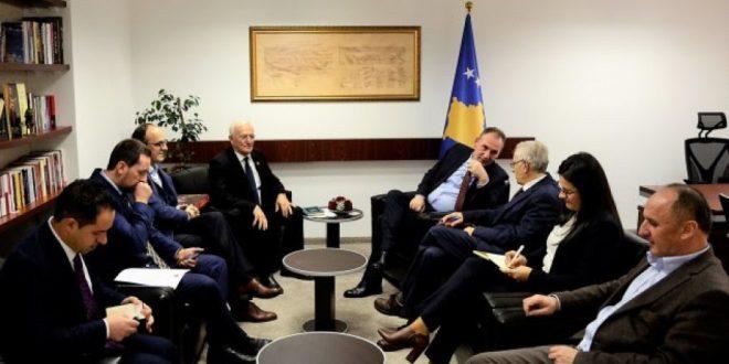 Fatmir Limaj thotë se nuk mund të ketë marrëveshje me Serbinë pa zgjidhjen e çështjes se personave të zhdukur