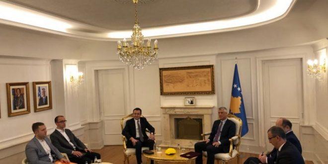 Kryeministri Kurti e fton kryetarin Thaçi në takim për bashkërendim politik para Konferencës së Mynihut