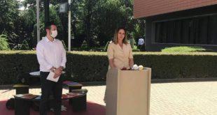 Lëvizja Vetëvendosje vazhdon ta kontestojë dhe ta quajë Qeverin Hoti jolegjitime dhe në shërbim të kryetarit Thaçi