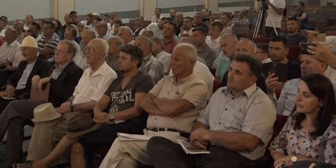 """Në Shtëpinë e Kulturës, """"Tahir Sinani"""", në Lypjan, u përurua libri, """"Januz Bajçinca me bijtë Ruzhdiun dhe Nebihun"""""""