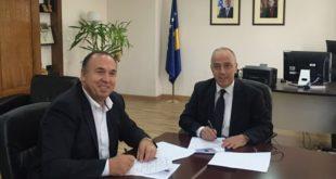 Nënshkruhet Memorandumi i mirëkuptimit në mes të Ministrisë së Infrastrukturës dhe Komunës së Klinës