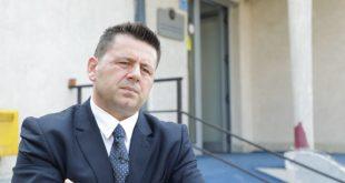 Bekë Berisha: Jo, nuk i kërkoj falje zotit 'Sfeklla'. Zoti 'Sfeklla' duhet me pasë kujdes, ai i din rregullat...