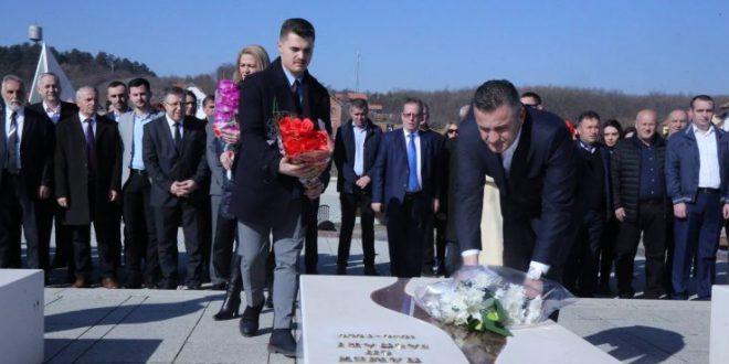 Hamez Jashari: Për ty gjyshi im, urime ditëlindja e 71-të, heroi im!