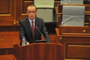 Bekim Haxhiu: Nëse Qeveria nuk mund të sigurojë vaksinat le të hap rrugë, sepse ka njerëz që mund t'i sigurojnë ato