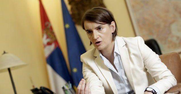 Ana Brnabiq thotë se nuk tërhiqet nga deklaratat skandaloze e raciste të bëra ditë me parë për shqiptarët