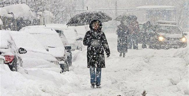 Lekaj: Bora nuk po ndalet e as puna për ta pastruar atë, shoferë keni kujdes përshtatjuni kushteve atmosferike