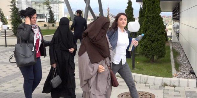 KMDLNJ rekomandon që institucionet me ligj ta ndalojnë përdorimin e burkës në vendet publike dhe në gjykata