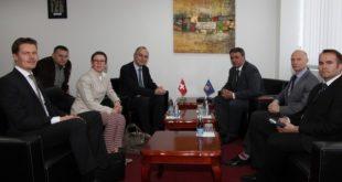 Ministri i FSK-së, Haki Demolli, ka falënderuar ambasadorin e Zvicrës në NATO, Christian Meuwly