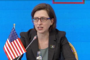 Cooper: SHBA është mike e Shqipërisë, si gjithë amerikanët dhe shqiptarët që kanë qenë bashkë në kohë të vështira