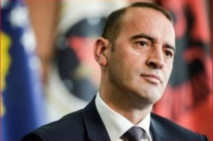Deputeti i AAK-së, Daut Haradinaj kritikon qeverinë për vonesën e krijimit të Komisionit për të burgosurit politik