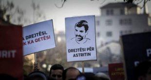 Policia e Kosovës fillon me intervistimin e 15 personave për rastin e vdekjes së Astrit Deharit në burgun e Prizrenit