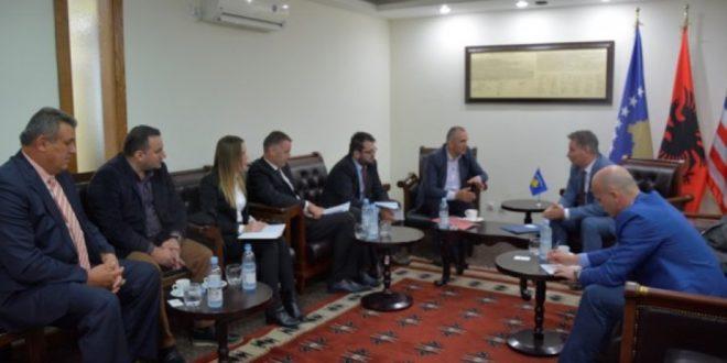 Një delegacion nga Oda e Afarizmit të Kosovë i kryesuar nga drejtori i Bordit, Skënder Krasniqi, priti ministrin Pal Lekaj