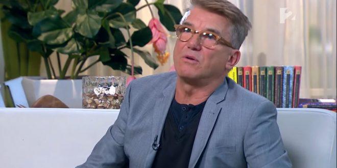 Këngëtari i mirënjohur hungarez me origjinë shqiptare, Gjon Delhysa