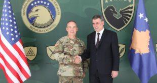 Ministri Demolli priti në vizitë komandantin e Gardës Kombëtare të Ajovës,Timothy Orr