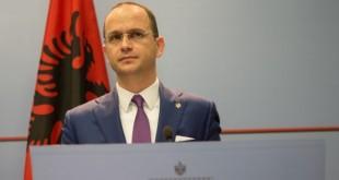 Ministri i Jashtëm i Shqipërisë, Ditmir Bushati, ka mirëkuptim për Greqinë sepse atje edhe ka studiuar