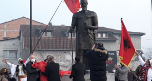 Në Ditën e Flamurit, në qytetin e Prizrenit, u inaugurua shtatorja e bronztë e Gjergj Kastriotit- Skënderbeut
