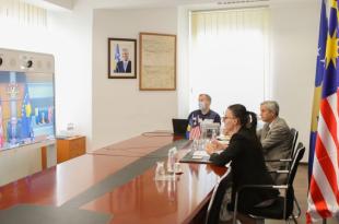 Ministrja Haradinaj-Stublla, bisedon virtualisht me homologun nga Malajzia, ministrin Hishammuddin, Tun Hussein