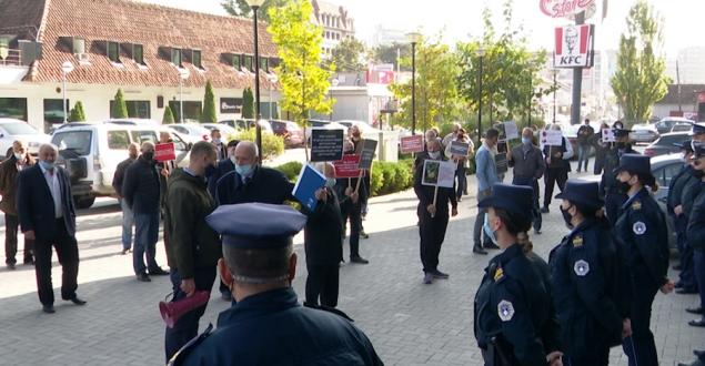 Për mos realizimin e kërkesave të tyre sot kanë protestuar bujqitë nga rajonet e ndrysshme të Kosovës