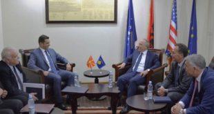 Ministri i Infrastrukturës, Lutfi Zharku, priti ministrin e Ekonomisë së Maqedonisë, Driton Kuçi