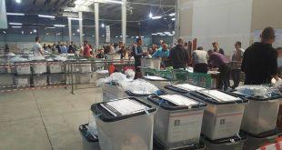 Procesi i verifikimit të zarfeve me vota, të ardhura nga Serbia, është ndërprerë rreth orës 11:00 pas kundërmimit të zarfeve