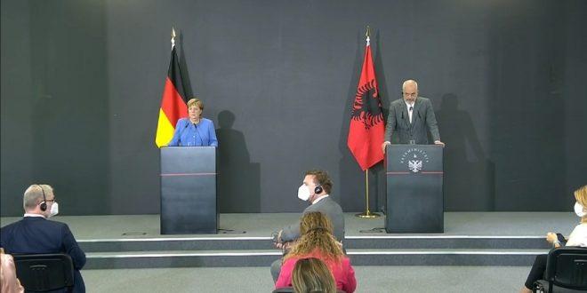 Angela Merkel: Procesi i Berlinit nuk mund të zëvendësohet nga asnjë nismë tjetër ndonëse gjërat mund të përshpejtohen