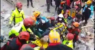 Pas tërmetit shkatërrues që mbetën 29 persona të vdekur, Turqia po vazhdon të goditet nga pas tërmetet