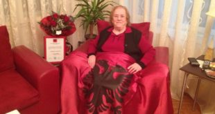 """Ka ndërruar jetë, Emine Krasniqi, anëtare e NDSH-së, e njohur si """"Marigona e Kosovës"""""""