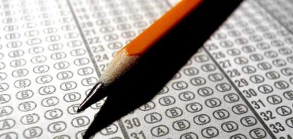 Rreth 27 mijë nxënës të klasave të nënta në tërë Kosovën sot i nënshtrohen Testit të Arritshmërisë