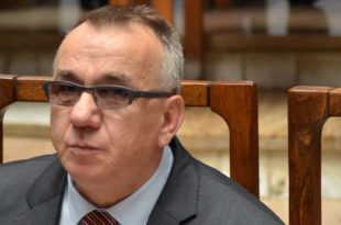 Enver Hasani i hyn garës për Avoatin e Popullit