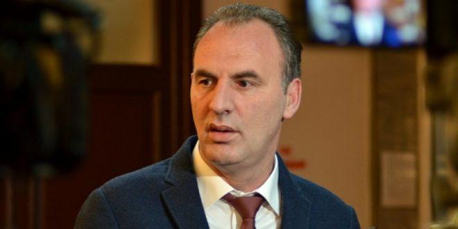 Limaj i lumtur me nisjen e jetësimit të marrëveshjes për heqjen graduale të tarifave roaming mes Kosovës dhe Shqipërisë.