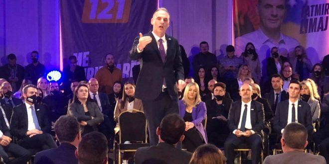 Fatmir Limaj: Albin Kurti dëshiron pushtet absolut në Kosovë sikurse, Aleksandar Vuçiq në Serbi
