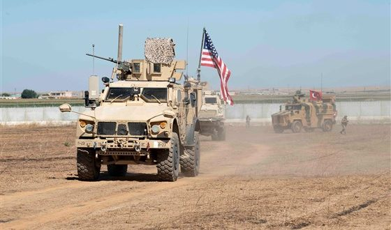 """Trump e paralajmëron Turqinë nëse një ushtar amerikan plagoset në Sirisë do të jetë """"telashe të madhe"""""""