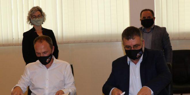 Ministria e Ekonomisë dhe Ambientit nënshkruan marrëveshje me Fondacionin e Milleniumit të Kosovës për kualitet të ajrit