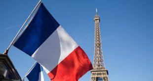Franca mori vendim për të ndaluar përfundimisht telefonat celularë në shkollat fillore dhe tetë-vjeçare