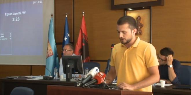 Vetëvendosje do të ngritë kallëzim penal ndaj Shpend Ahmeti, për shkak të kritereve që ka vendosur për kiosqet