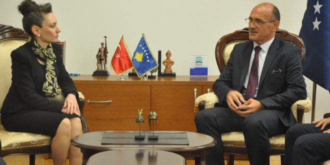 Ministri i Punëve të Brendshme, Bejtush Gashi, priti në takim ambasadoren e Turqisë në Kosovës, Kivilim Kiliç