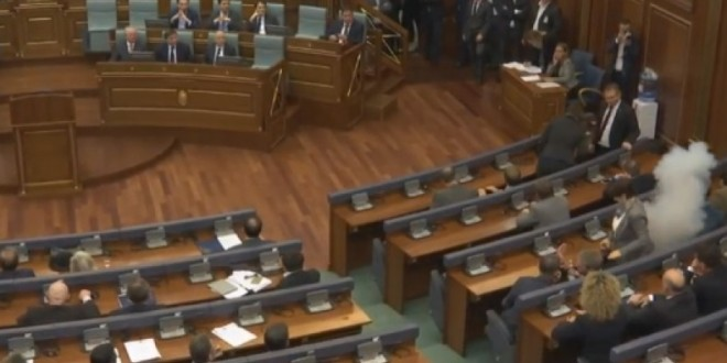Sërish bllokohet seanca e Kuvendit, opozita e bashkuar në veprime kundër Qeverisë