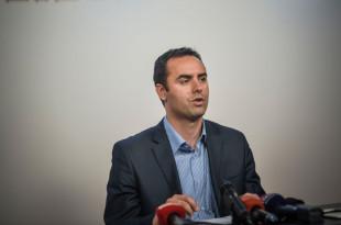 Ministri i Jashtëm, Glauk Konjufca kërkon që të shtyhet për vitin e ardhshëm aplikimi për anëtarësimin e Kosovës në Interpol