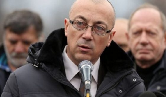 Partia Fjala: Turp për Qeverinë që lejon një kryetar të komunës ta mohojë shtetësinë dhe t'i shkel ligjet e Kosovës