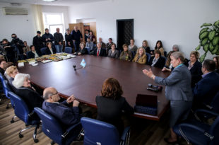 Komuna e Prishtinës ndau mirënjohje veteranëve të arsimit për kontribut në fushën e arsimit dhe edukimit