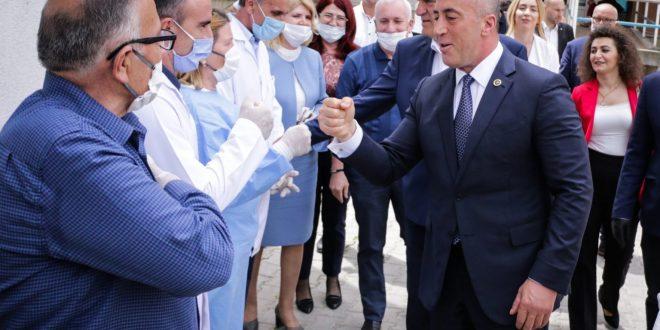 Ramush Haradinaj: Do të mbahet mend heroizmi i personelit mjekësor në luftën kundër virusit korona