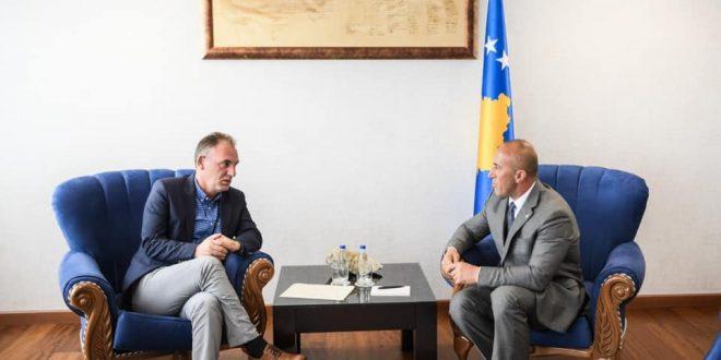 Takohen partnerët e koalicionit Haradinaj dhe Limaj, diskutojnë për zhvillimet e fundit politike në vend