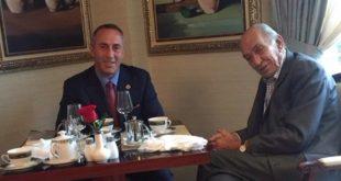 Kryetari i AAK-së, Ramush Haradinaj ka pritur në një takim komandantin e parë të KFOR-it, Mike Jackson